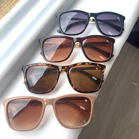Óculos de Sol Quadrado Ariel