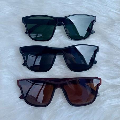 Óculos de Sol Quadrado Dom