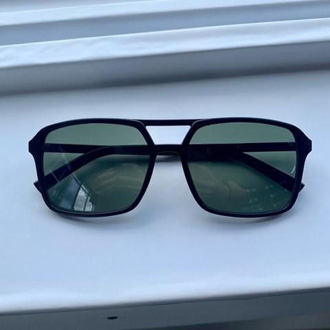 Óculos de Sol Retangular Olik